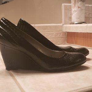 Black Bandolina wedged heels